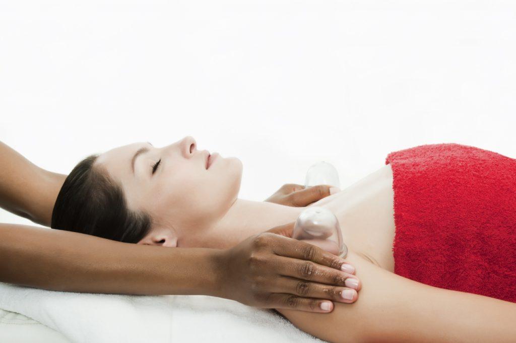 Cupping massage bij Haar en Huidinstituut Westland
